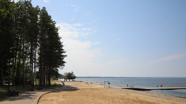 Selkirk Shores beach