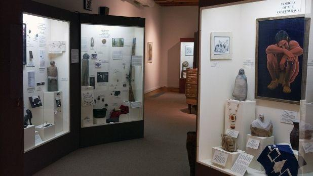 Displays of Native American artificats at Iroquois Indian Museum