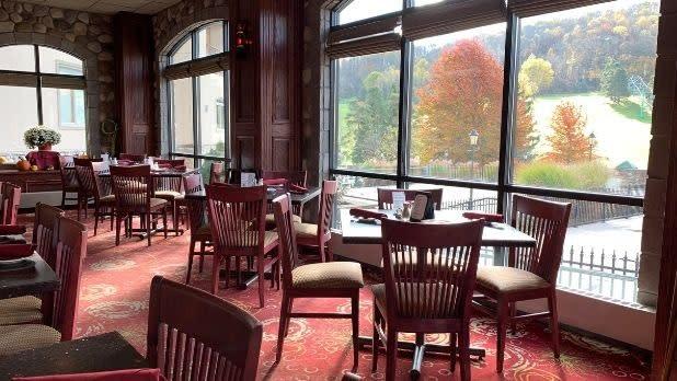 Dining room at John Harvard's Brew House