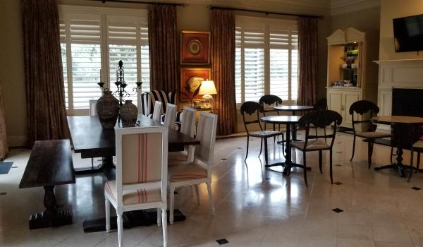 Breakfast Room at Della Belle