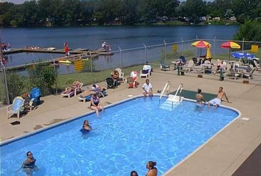Lakeshore Camp Resort