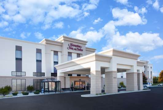 Hampton Inn and Suites Munster Hotel