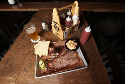 DOC's Smokehouse & Craft Bar