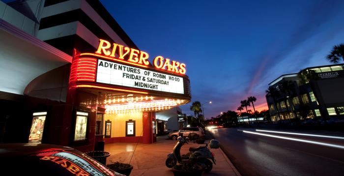 River Oaks Theater, Houston
