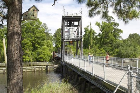 Bridge Lacombe