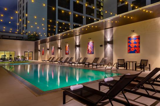 Hilton Austin Skyline Pool & Lounge Chairs