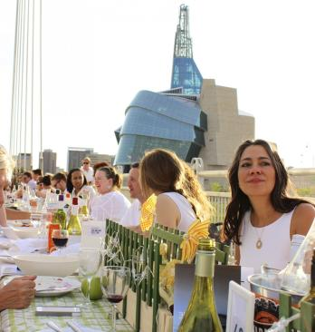 Table for 1200: Esplanade Riel