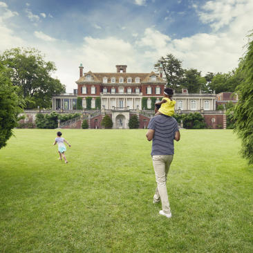 family at Old Westbury Gardens