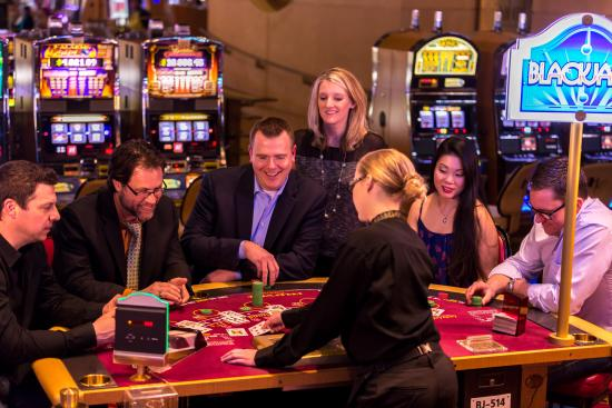 Couples playing Blackjack at Hollywood Casino Hershey, PA area