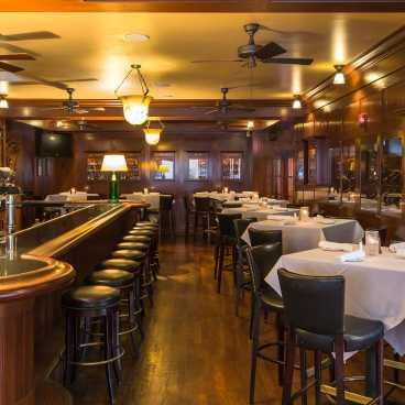 Dickie Brennan's Steakhouse Bar
