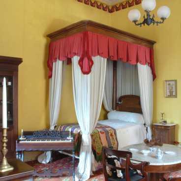 Hermann-Grima Children's Room