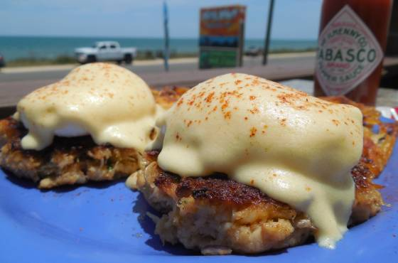 Crab-Cake-Benedict_Java-Joint.JPG