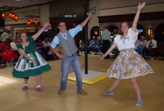 Square Round Dance
