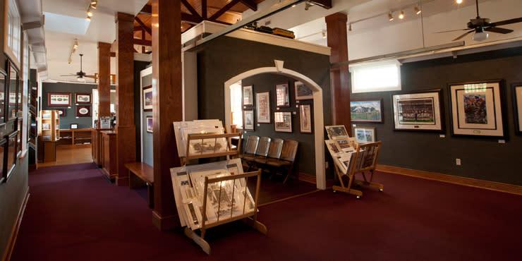 Benjamin Knox Art Gallery