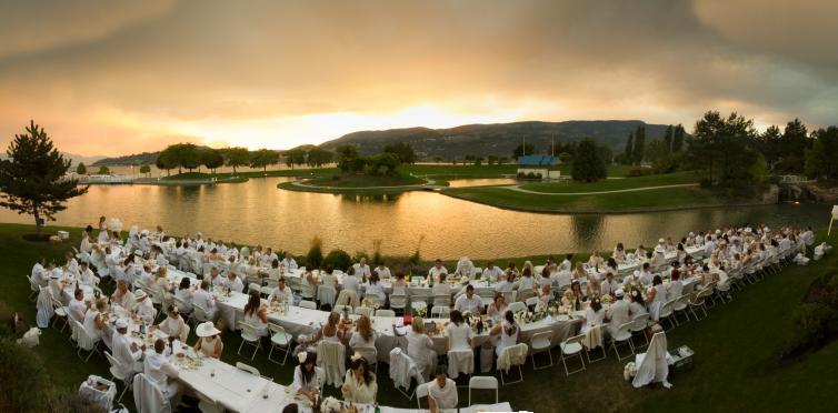 White Dinner Panorama