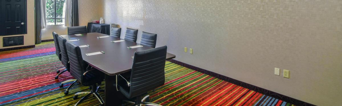 Holiday Inn NE Ballpark Meeting room