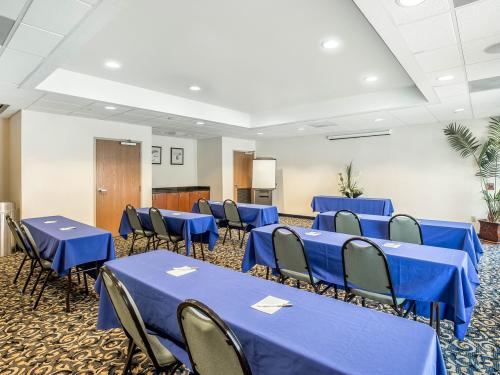 Sleep Inn meeting room