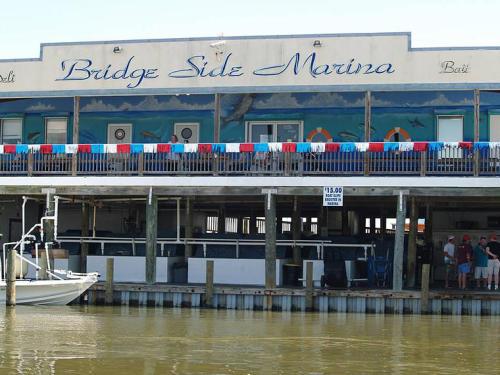 Bridgeside Marina