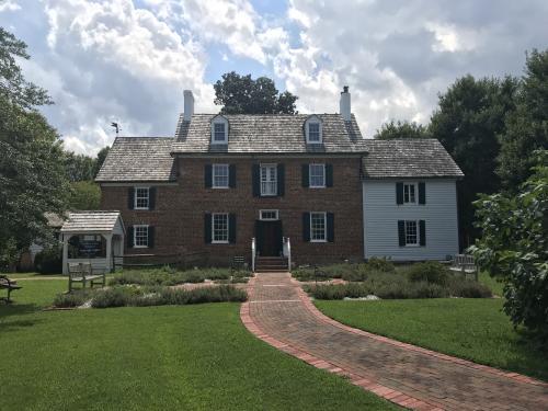Ferry Plantation House