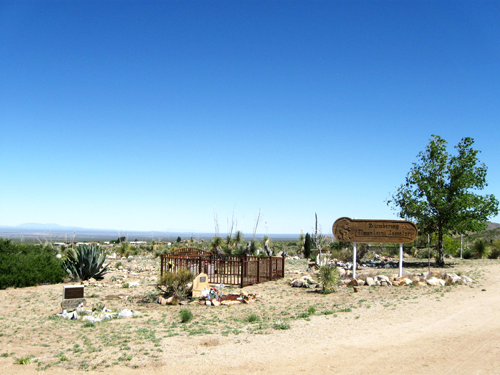 Slumbering Mountain Cemetery in Organ