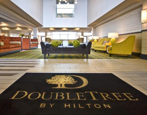 DoubleTree Hotel - Lobby
