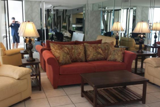 T21006 - Sleeper Sofa