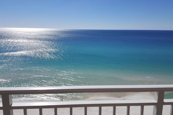 Enjoy Amazing Views, Free Beach Service