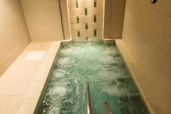 Whirlpool Serenity Spa at Bay Point