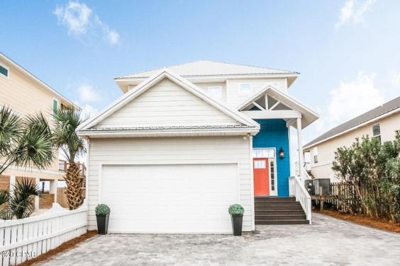 With 5 parking spaces, this home is perfect for a large family!
