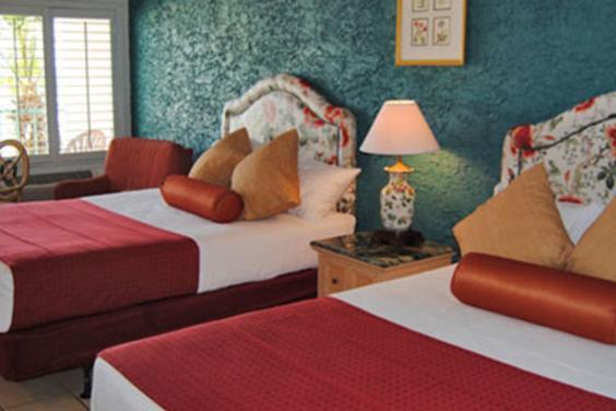 Casa Loma Room
