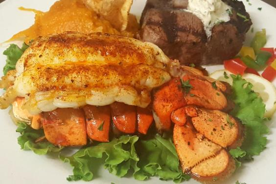 Aged-Steaks-Local Seafood-Lobster-Filet-Mignon-PCB-Boars-Head-Restaurant-Tavern-4-23