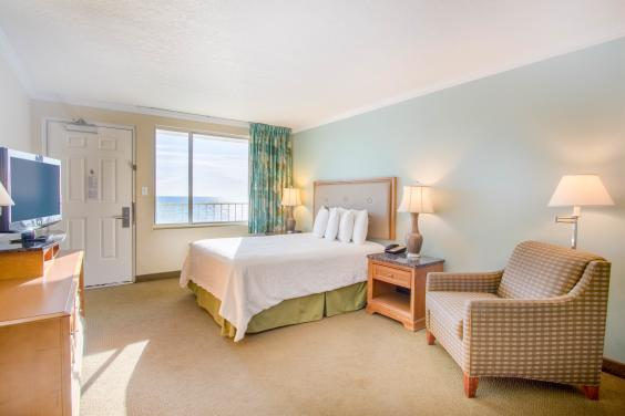 Beachside Resort Panama City Beach Queen Room with Gulf View