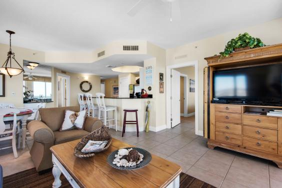 Large open family room, with 36 in flat screen tv, dvd player, books, games, and internet