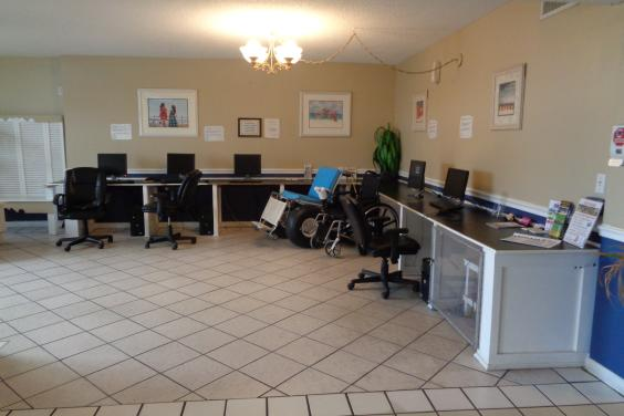 Computer lab available 24 hrs