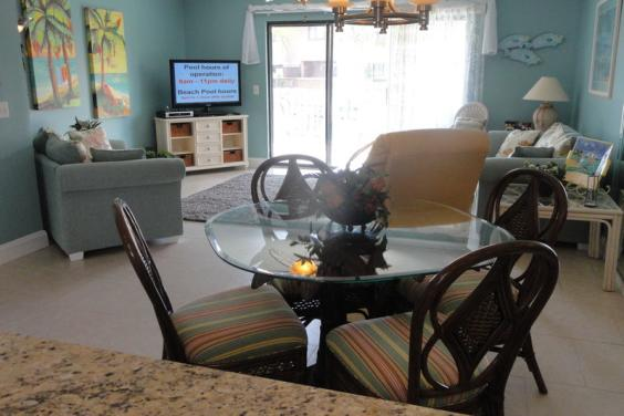 203 St. Katherine Dining & Living Room
