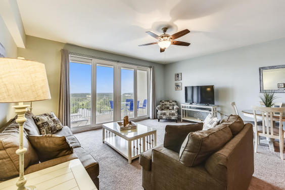 Laketown Wharf unit 1637, Serenity Sands