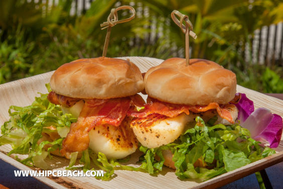 Holiday Inn Resort beachside dining at Chip's Seafood Grille