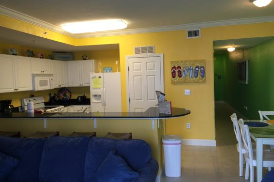 Kitchen/eating area