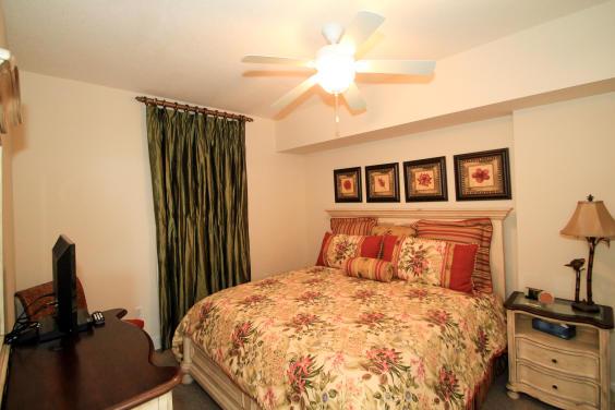 Guest Room 1 (Queen)