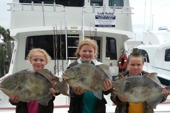 Kelley Girl kids w/ trigger fish