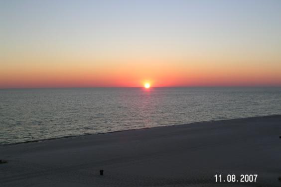 #1106 Sunrise Beach Resort 2/2- Free Beach Service