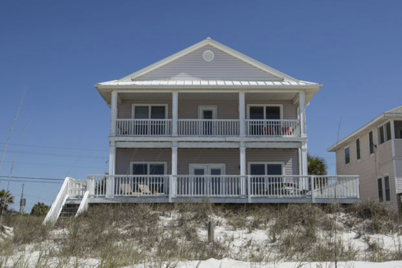 Beachfront view of the beautiful Diamond in the Rough!