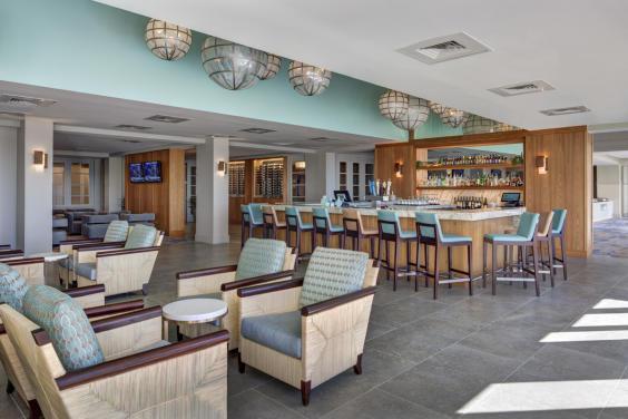 TIDES Restaurant & Lounge
