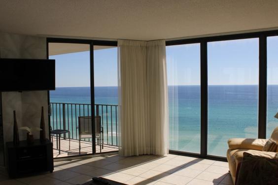 T21006 - Balcony View