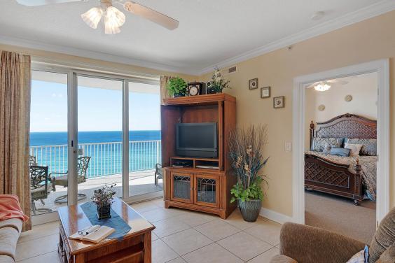 Living Area Unit 1304