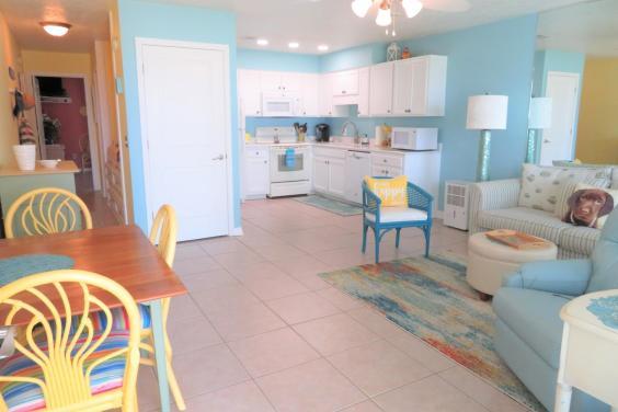 Southwind L-3 Living Area 1