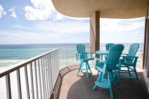 Beautiful views await you on this great balcony!