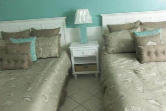 Top of the Gulf - Unit 104 2 queen beds