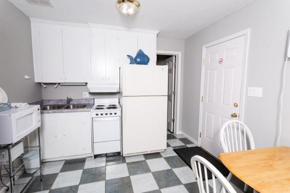 Additional Kitchenette with dining area!