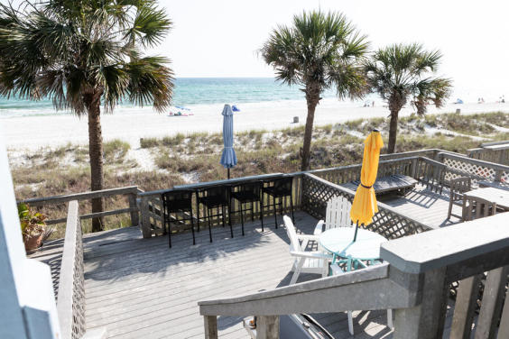 Come have lunch on the deck and watch the waves crash!